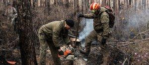 Как добровольцы и волонтеры помогали тушить пожары в Иркутской области