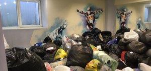 Как работают центры приема гуманитарной помощи в Иркутске