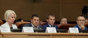 Депутаты ЗС заседали до полуночи