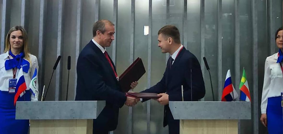 Сергей Левченко на ПЭМФ-2019. Фото из аккаунта губернатора в «Фейсбуке»