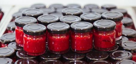 Как изготавливают пюре из сибирской ягоды