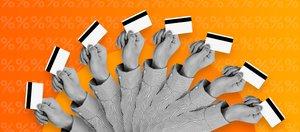 Почему банкам выгодно, чтобы мы платили картой? Объясняет экономист
