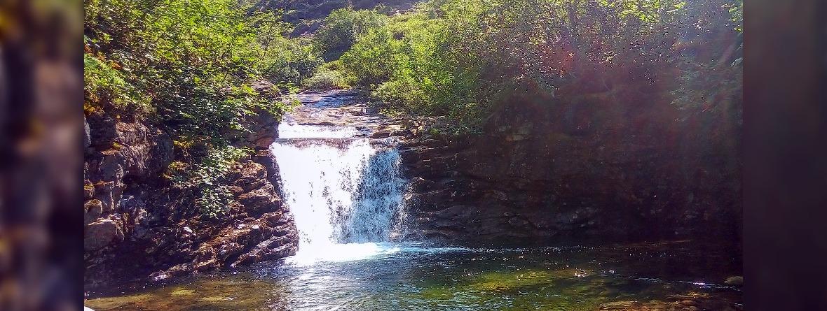 Водопад на реке Каменке. Фото Дарьи Голушко