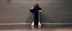 «Меня сбили с ног и начали пинать». История о школьной травле