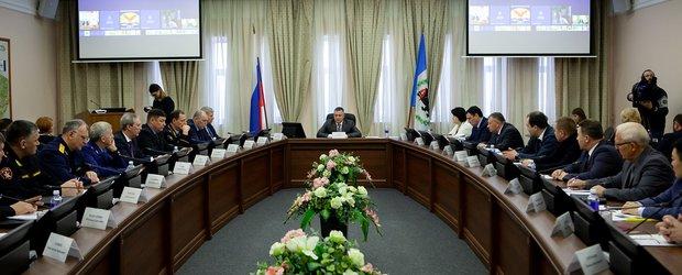 Борьба с бездельниками и коррупцией: Игорь Кобзев наводит порядок в кадрах Иркутской области