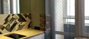 Время ремонта: небольшая кухня с зеркалом