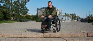 «Активная жизнь в инвалидном кресле — это постоянная борьба»