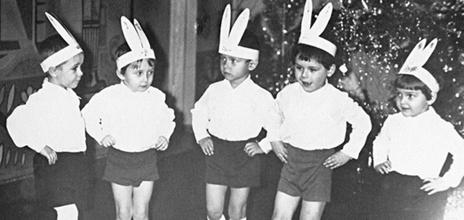 «Зайчики и снежинки». Фотоконкурс на лучший детский новогодний костюм