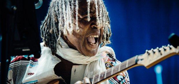 Новый сезон «Джаза на Байкале» открыл музыкант Грегг Кофи Браун.