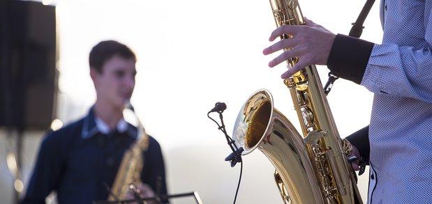 На острове Юность состоялся концерт группы «Доктор Джаз» и юных музыкантов.