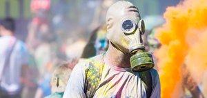 Фестиваль красок на острове Юность