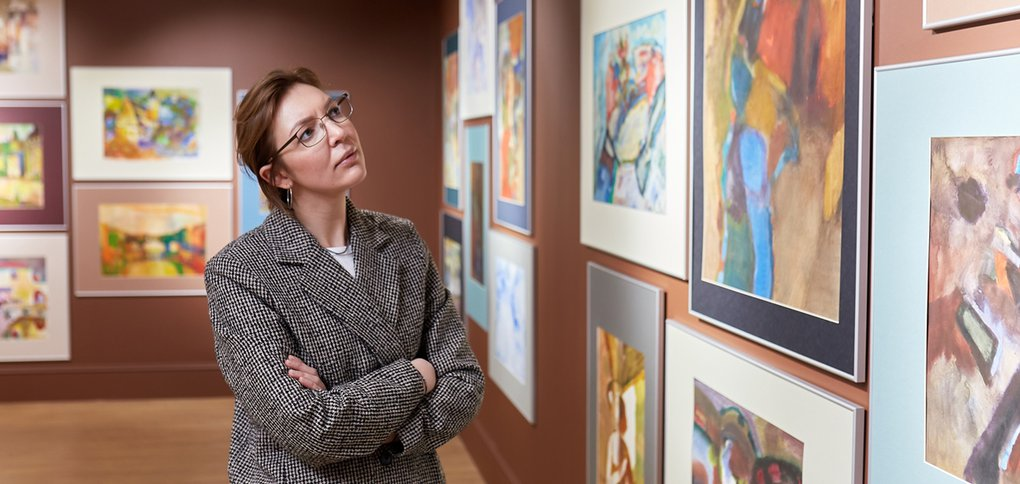 Посмотреть работы мастера можно в Галерее Бронштейна.