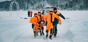 Учения МЧС: спасательная операция на льду Ангары