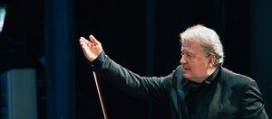 К юбилею дирижера Губернаторского симфонического оркестра Илмара Лапиньша