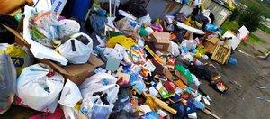 «Мы тонем в мусоре». В Иркутске не вывозят отходы с площадок