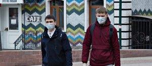 Нерабочая неделя в Иркутске: безлюдные улицы и прохожие в масках