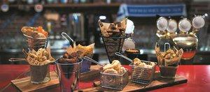 В каком баре можно вкусно поесть?