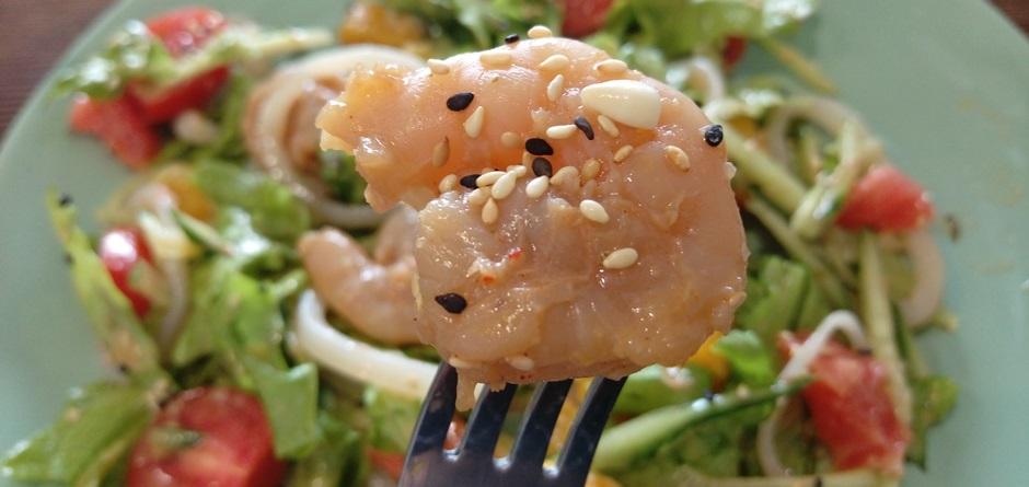 В кафе «Сорока» Сироповой подали сырые морепродукты