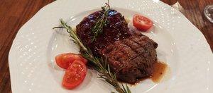 Может ли быть вкусным стейк за 300 рублей?