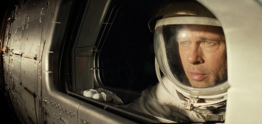 Евгению Новицкому не понравилось нудное путешествие «К звёздам».