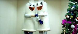 «Танец маленьких презервативов». Новый социальный ролик от Центра СПИД +18