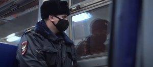 Фильм о тех, кто охраняет закон и порядок на транспортных магистралях Сибири